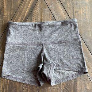 Lululemon shorts size 2 excellent condition